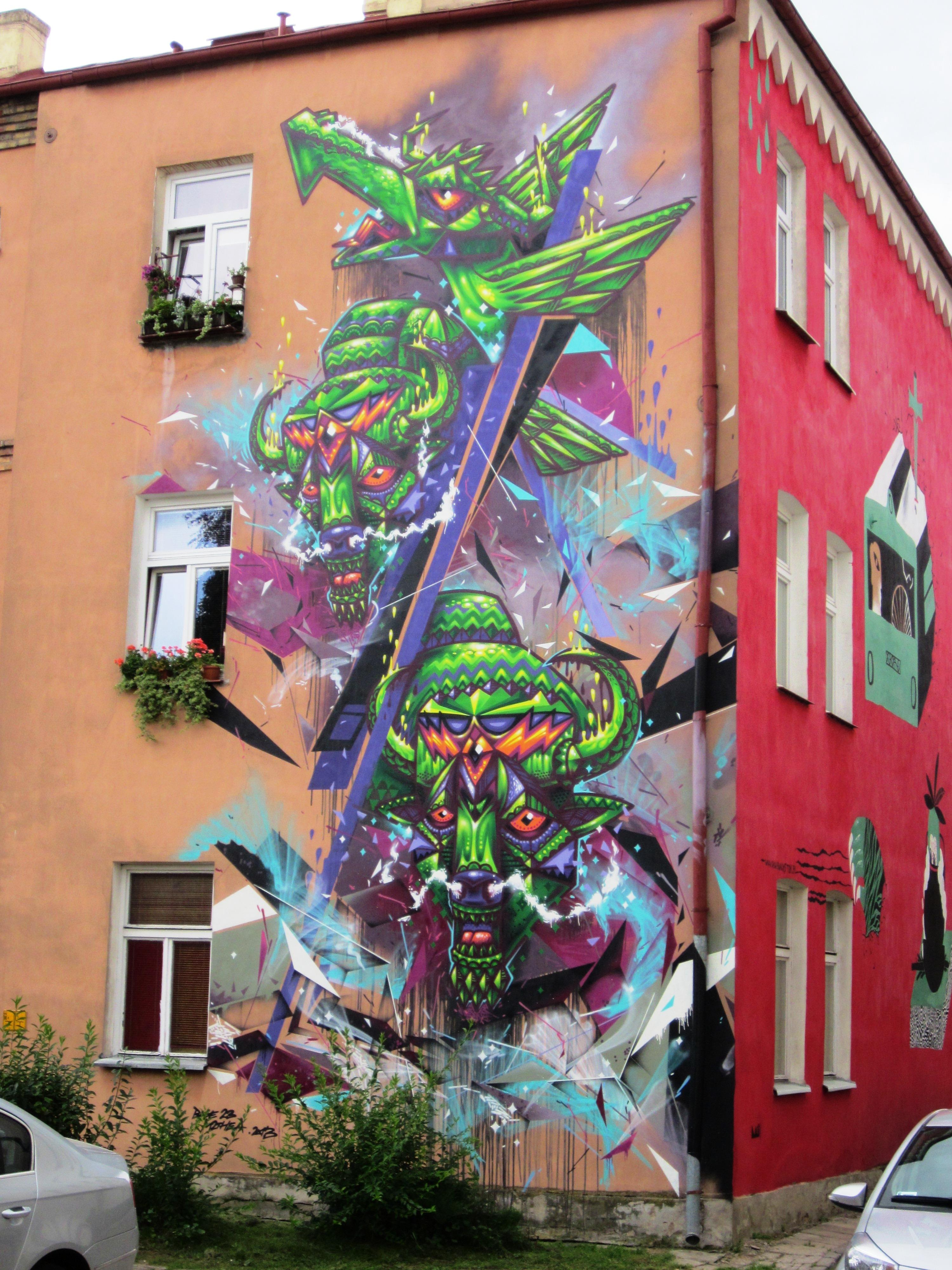Nowy mural w bia ymstoku wschodz cy bia ystok for Mural bialystok dziewczynka z konewka